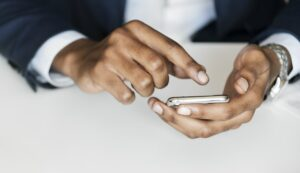 How Is Mobile Being Used In B2B Ecommerce?